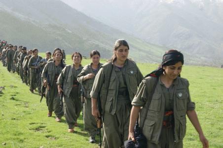 Kurdistán: Un pueblo en revolución, las compañeras en armas
