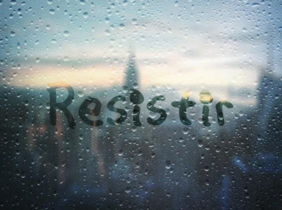 Resistir_A_r