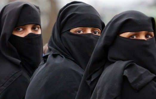 _____Mujeres oprimidas