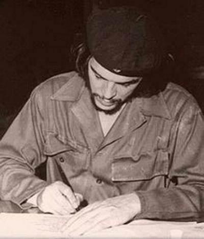 _____el Che escribe